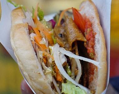 Una joven navarra sufre una intoxicación por ingerir un kebab contaminado intencionadamente con raticida